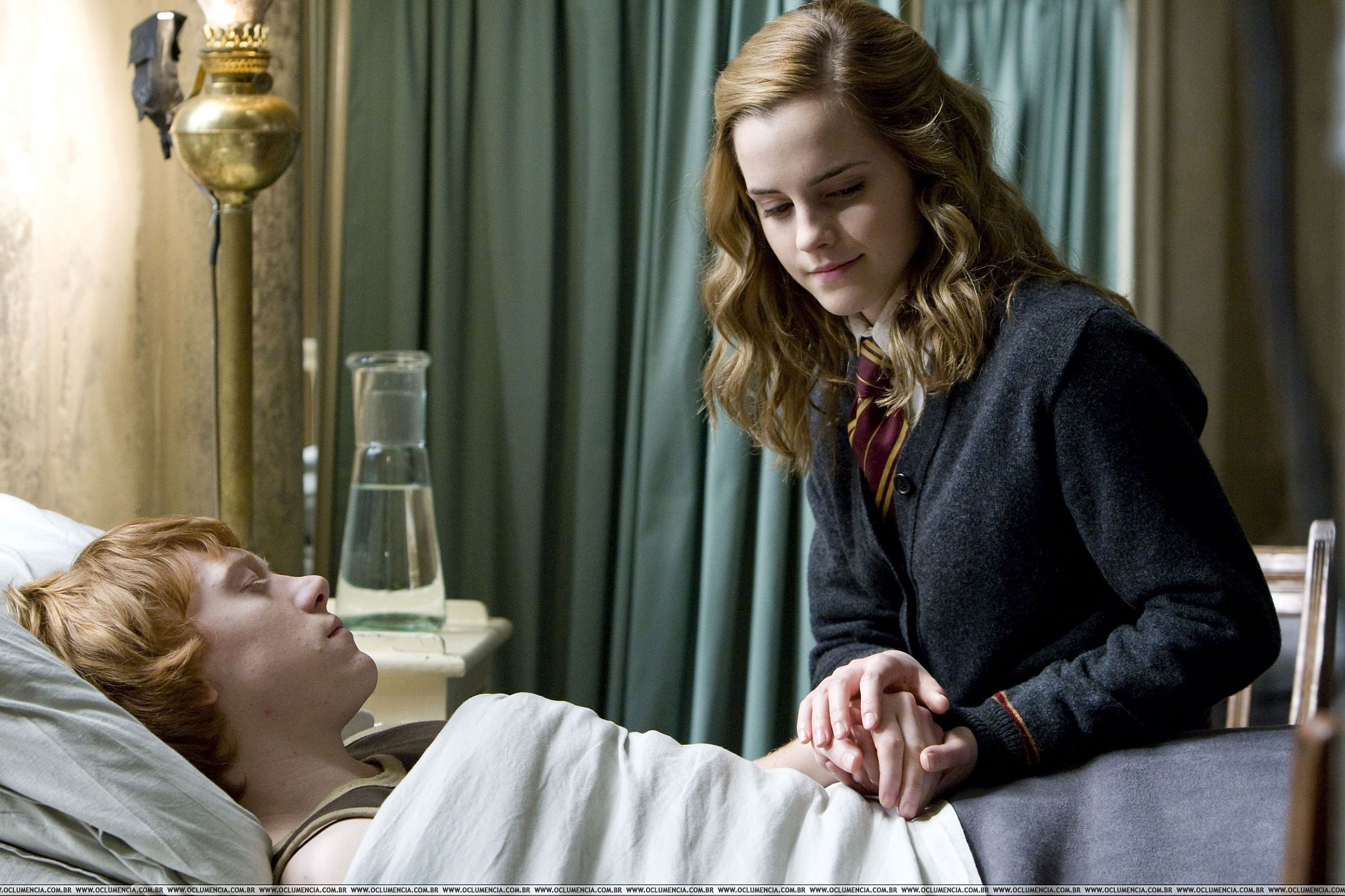 Ron-Hermione-in-HBP-romione-7340802-2400-1600