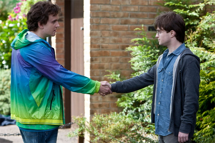 DH1_Dudley_Dursley_shakehand_with_Harry_Potter